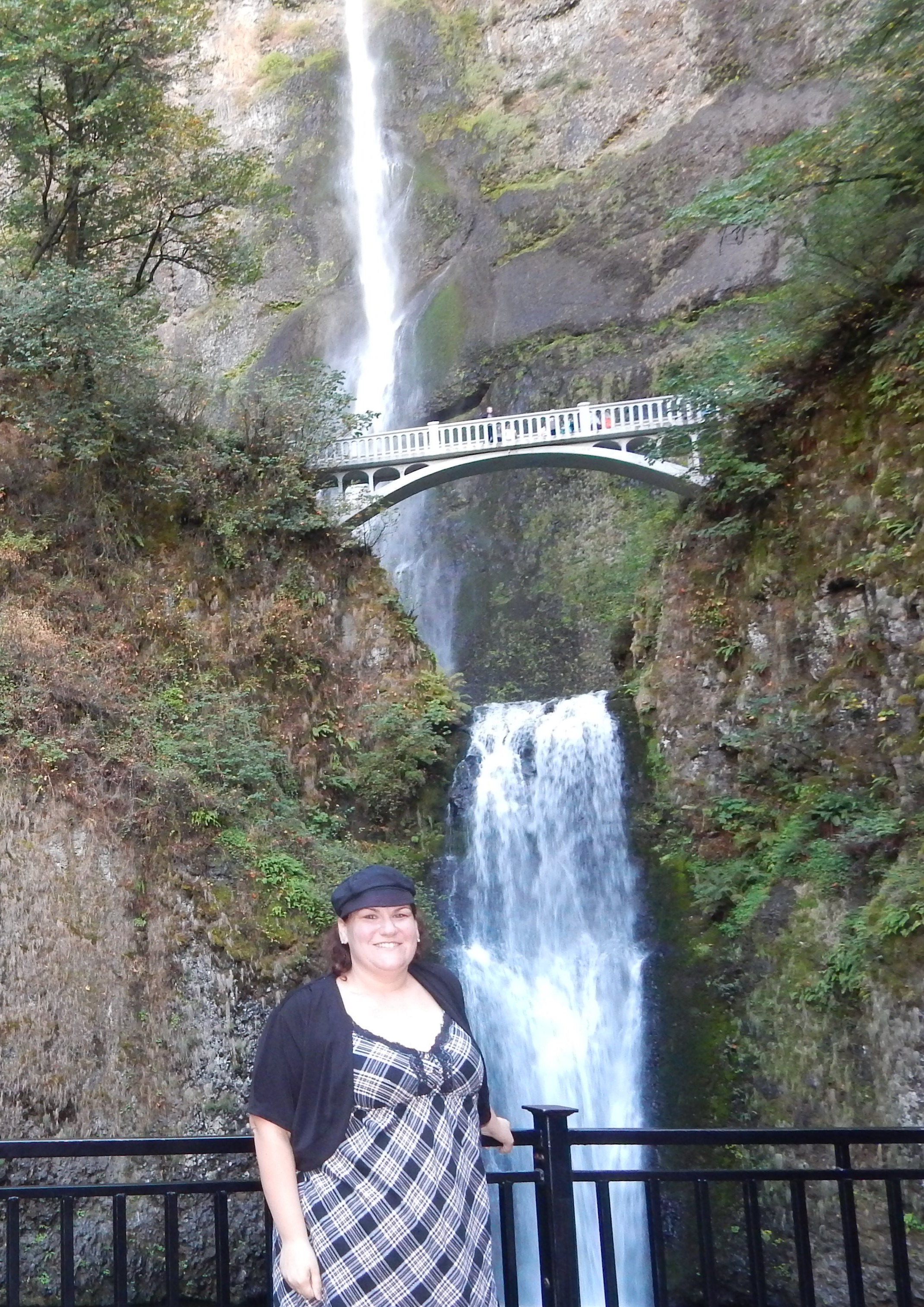 Pictures don't do Multnomah Falls justice, but scroll down until the end for more.