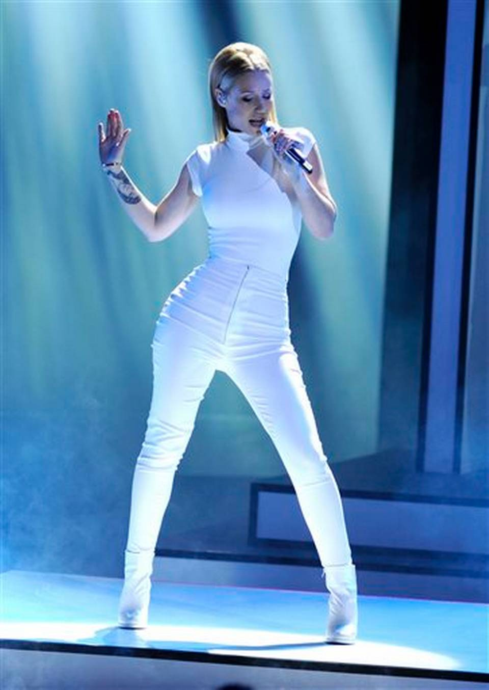 "Iggy Azalea performing ""Beg For It""."